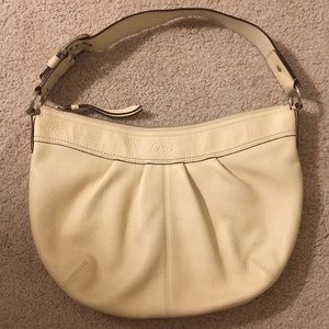 Authentic Coach Hobo Bag Pebbled Leather in Cream